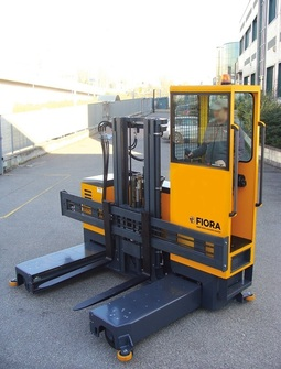 OMG FIORA C 25-30 Electric multidirectional sideloader