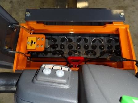 375P5-CP Transpalette electrique sur mesure version compacte
