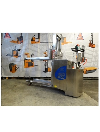 20-DS Stainless steel stacker with initial lift capacity from 2000 Kg
