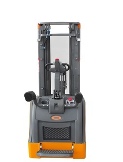Electric stacker OMG 716.P.AC From 1600 kg
