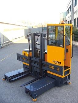 OMG FIORA SE 30-35-40 Electric multidirectional sideloader