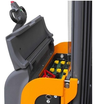 Electric stacker OMG 716K & 720K AC Q = From 1600 kg