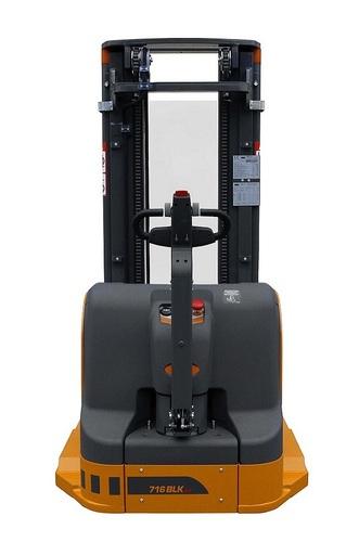 OMG 716 - 720 BLK AC Q = à partir de 1600 kg , gerbeur à longerons encadrants