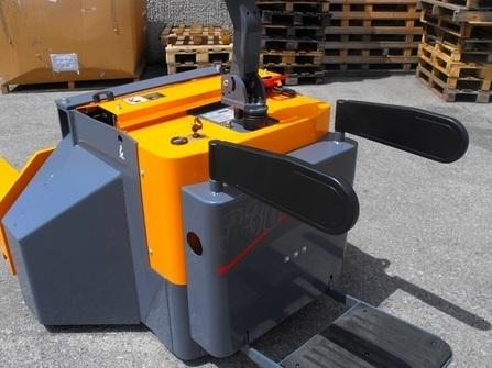 360BE-AF Transpalette electrique sur mesure à fourches spécifiques
