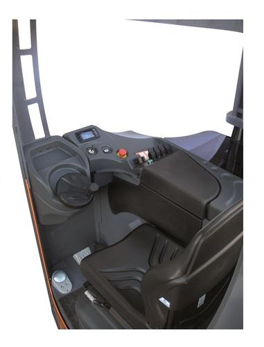 Neos II AC SE Reachtruck versie op banden hefvermogen vanaf 1.600 kg